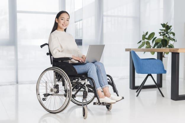 Discapacitada solicitando ayuda economica