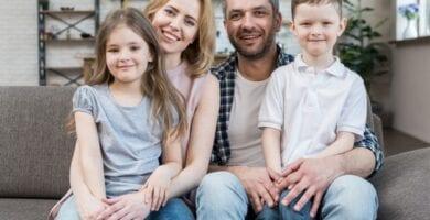 Familia disfrutando prestación desempleo