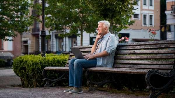 Paro para mayores de 65 años o jubilados